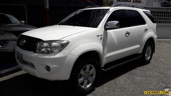 Toyota Fortunner Sport Wagon 4x4