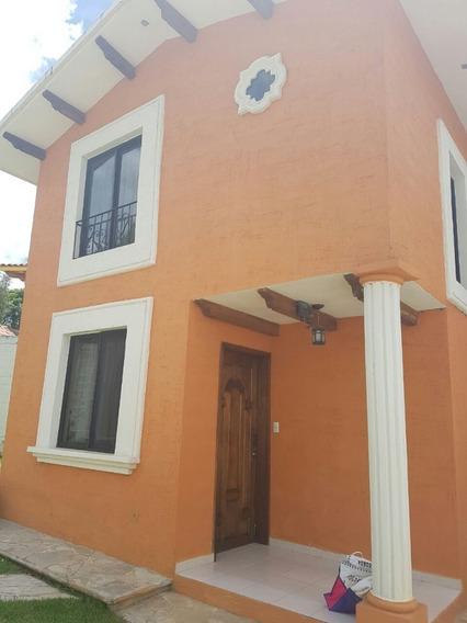 Casa De 1 Hab. En Renta, Barrio De San Ramón