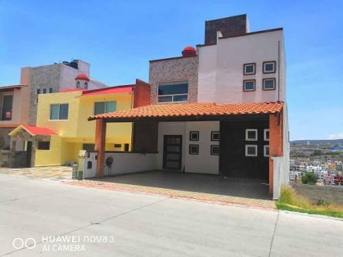 Venta Casa Milenio Querétaro En Coto Con Alberca
