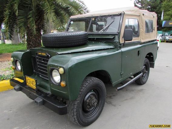 Land Rover Santana Jeep