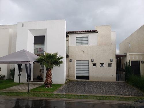 Imagen 1 de 30 de Casa En Venta En Rinconada Del Castaño, Metepec