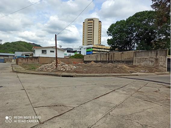 Terreno Avenida Bolivar Norte Valencia
