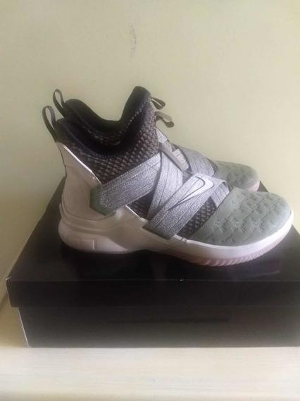 Tênis Nike Lebron Soldier