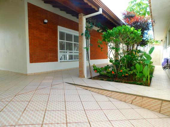 Casa Mobiliada Em Bairro Nobre A Venda Em Peruíbe