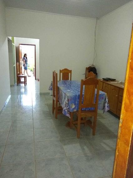 Casa De 3 Quartos 2 Banheiros 2 Salas 1 Cozinha 1 Lavanderia