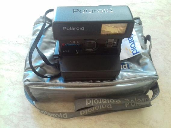 Antiga Câmera Polaroid 636 Closeup