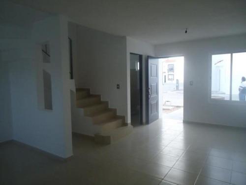 Casa Sola En Venta Fraccionamiento Villas De Bernalejo