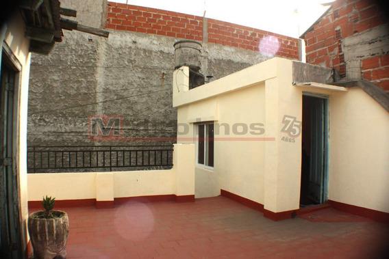 Venta Departamento Tipo Casa 3 Ambientes Con Patio Y Terraza En Parque Avellaneda