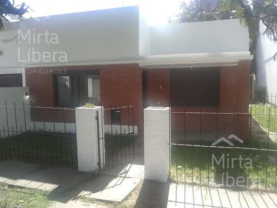 Casa En Alquiler-calle 609 7 Y 8- La Plata
