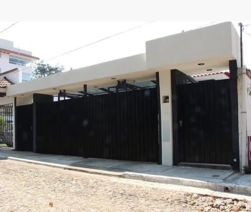 Casa En Venta En Uruapan, Michoacán