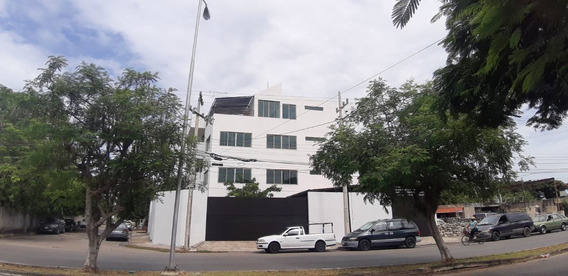 Edificio De Oficinas Cerca Calle 60 Norte