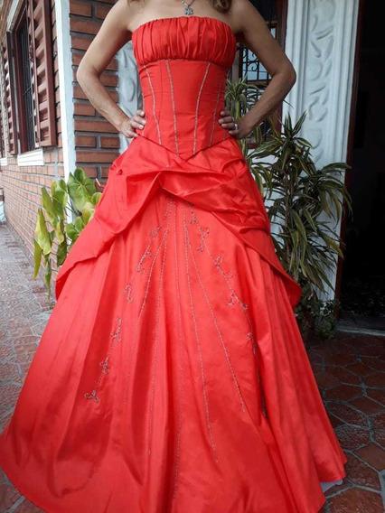 Lote Vestidos 15 Con Nuevos Miriniaques Telles 40 Y 42 .