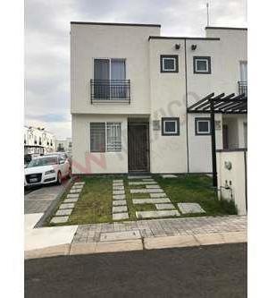 Casa En Venta San Isidro Juriquilla Queretaro 3 Habitaciones En Privada