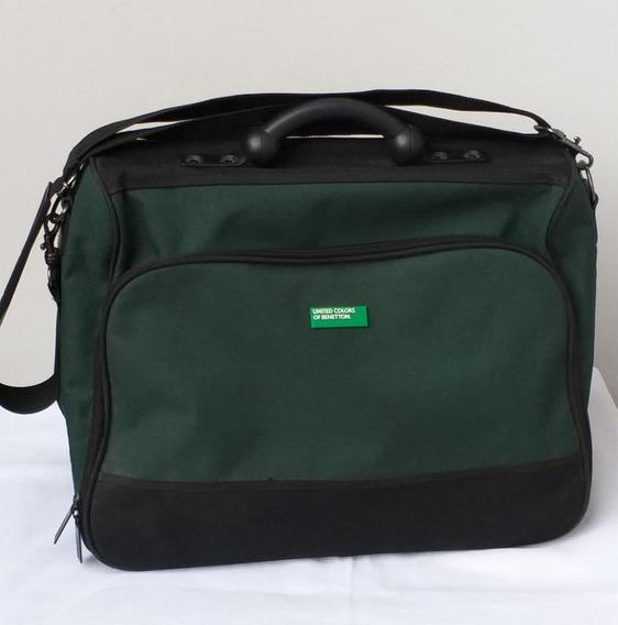 Bolso De Mano Color Verde Oscuro Marca Benetton