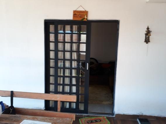 Casa Resem Construída No Condomínio Tibagi Próximo A Londrin