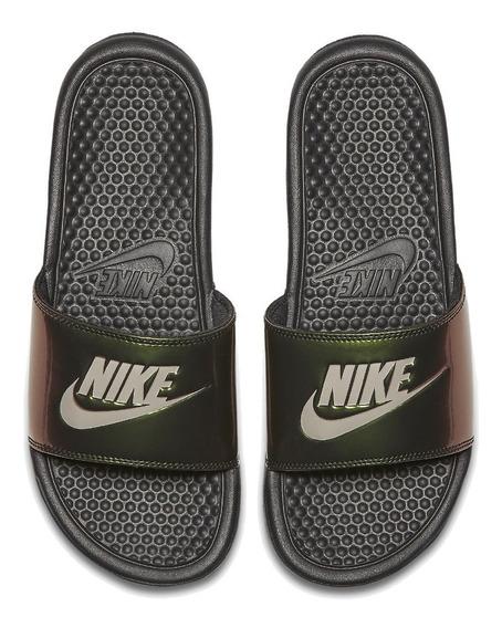 Chinelo Sandália Nike Benassi Print 618919-012 Preto