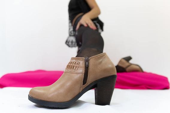 Zapato Bota Con Taco Detalle Trenzado Y Cierre Lateral