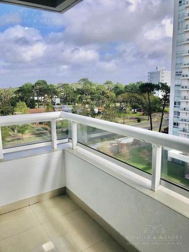 Alquiler Anual, Dormitorio, Baño, Cocina Americana, Balcón, Garage En Sub Suelo