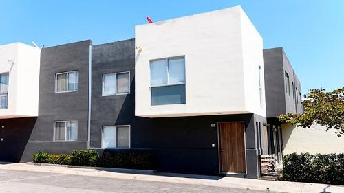 Casa En Renta - Juriquilla - C1152