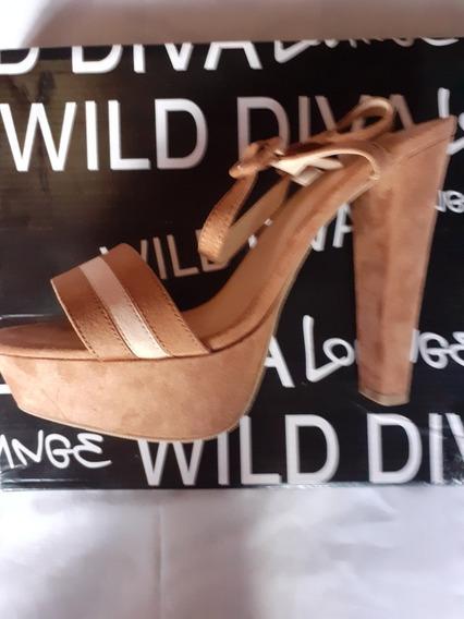 Sandalias Altas Color Caramelo Wild Diva.