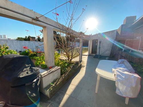Casa En Punta Gorda 3 Dormitorios Buen Terren Con Piscina