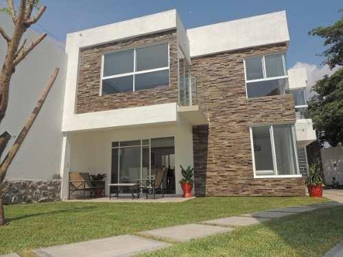 Venta De Casa En Condominio, Jiutepec, Morelo