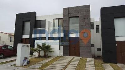 Casa En Renta Amueblada, Santa Fé, Juriquilla, Fracc. Pontevedra