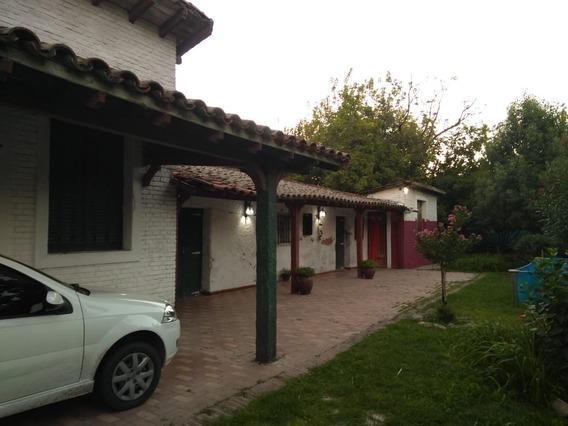 Excelente Chalet Colonial En Zona De Quintas