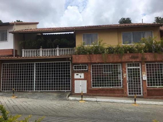 Jg 19-15117 Townhouse En Venta Bosque Valle