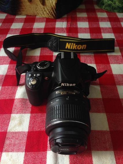Camara Nikkon D3100