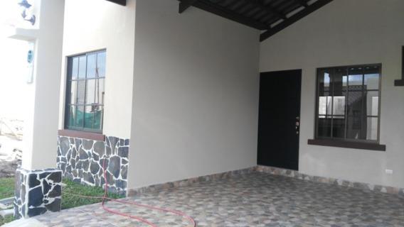 Casa Condominio La Rueda, Cartago, Costa Rica