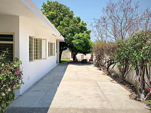 Imagen 1 de 14 de Casa De 3 Recámaras, 2 Baños Y Árboles Frutales