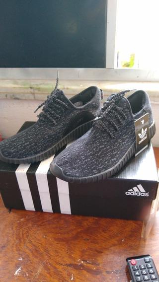 Tênis adidas Yeezy Boost 350 Rajado Preto N°39
