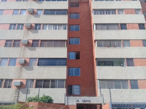 Apartamento En Venta, Indio Mara, Odeglis Añez, 19-16974