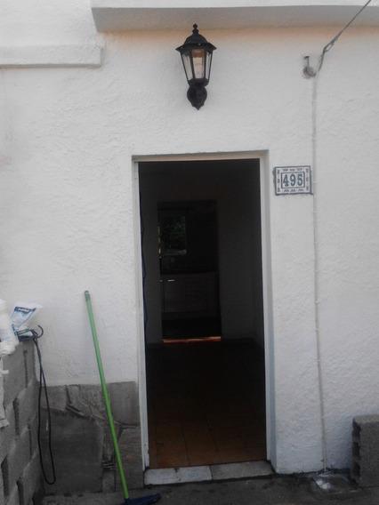 Alquilo Apartamento Tipo Casita 1 Dorm., Jardín Y Demás En
