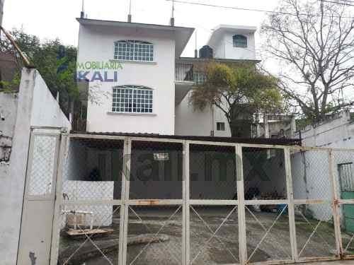 Renta Casa En Zona Céntrica De La Ciudad De Tuxpan Veracruz. En La Calle Lerdo De Tejada, A Unos Pasos De La Bodega Aurrera, Cuenta Con Estacionamiento Para 3 Automóviles Techada, En La Planta Alta
