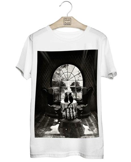 Camiseta Caveira Na Sala