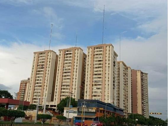 Apartamento En Venta Zona Centro-maracay 20-23560hcc