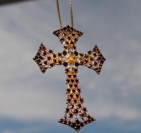 Colar Crucifixo Com Zircônias - Banho Dourado Ouro 18k.