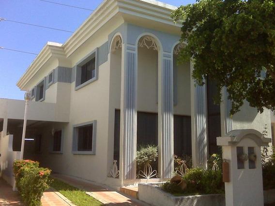 Villa Cerrada En Alquiler En Av Fuerzas Armadas Api 30939