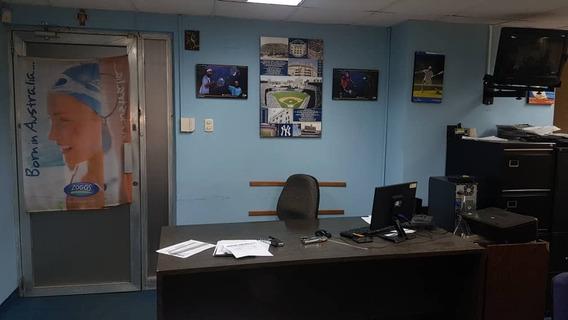 Oficina En Venta En Av 5 De Julio Api 32602 Pedro Perez