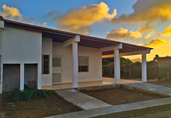 Se Vende Casa En Santa Ana - Margarita