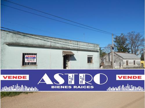 Dos Casas En Un Solo Padrón - Esquina Canelones
