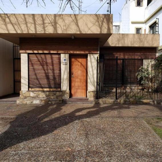 Excelente Casa Sobre Lote De 268m2, Zona R2 En Quilmes Oeste
