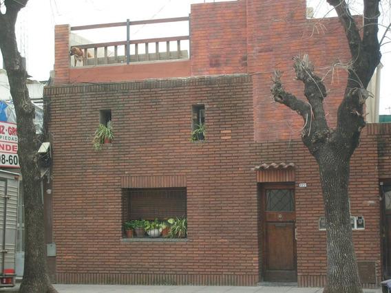 Casa A Metros Del Subte H. Parque Patricios. Caba