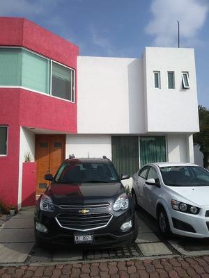 Venta De Casa En Corregidora, Fracc. San Mateo $2,600,000.00 2 Plantas 3 Recáma