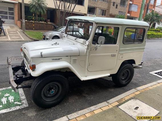 Toyota Fj 40 Cabinado