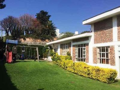 Venta De Casa Con 330 M2 Y Jardin Con 300 M2