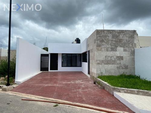 Imagen 1 de 13 de Casa En Venta De Un Piso En Privada Segura Con Alberca En Chichi Suarez Merida En Privada, Yucatan