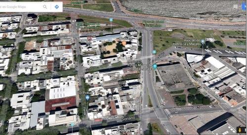 Terreno En Venta Con Proyecto De Viviendas Y Oficinas - Montevideo